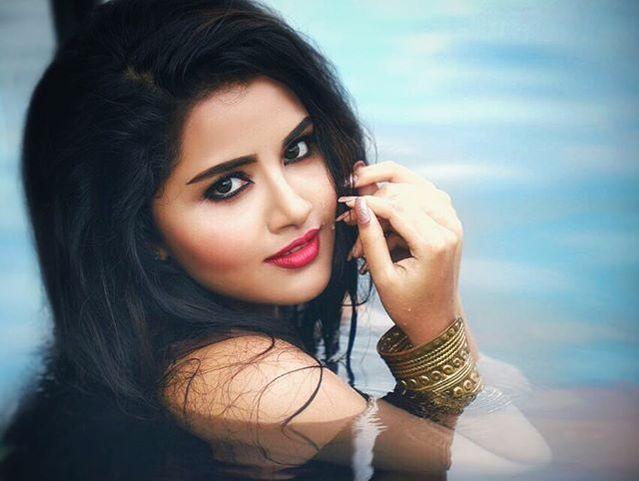mega-selfie-anupama-parameswaran-megastar-chirnaje