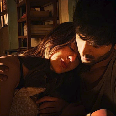 Love Aaj Kal movie still- Kartik Aryaan and Sara Alil Khan