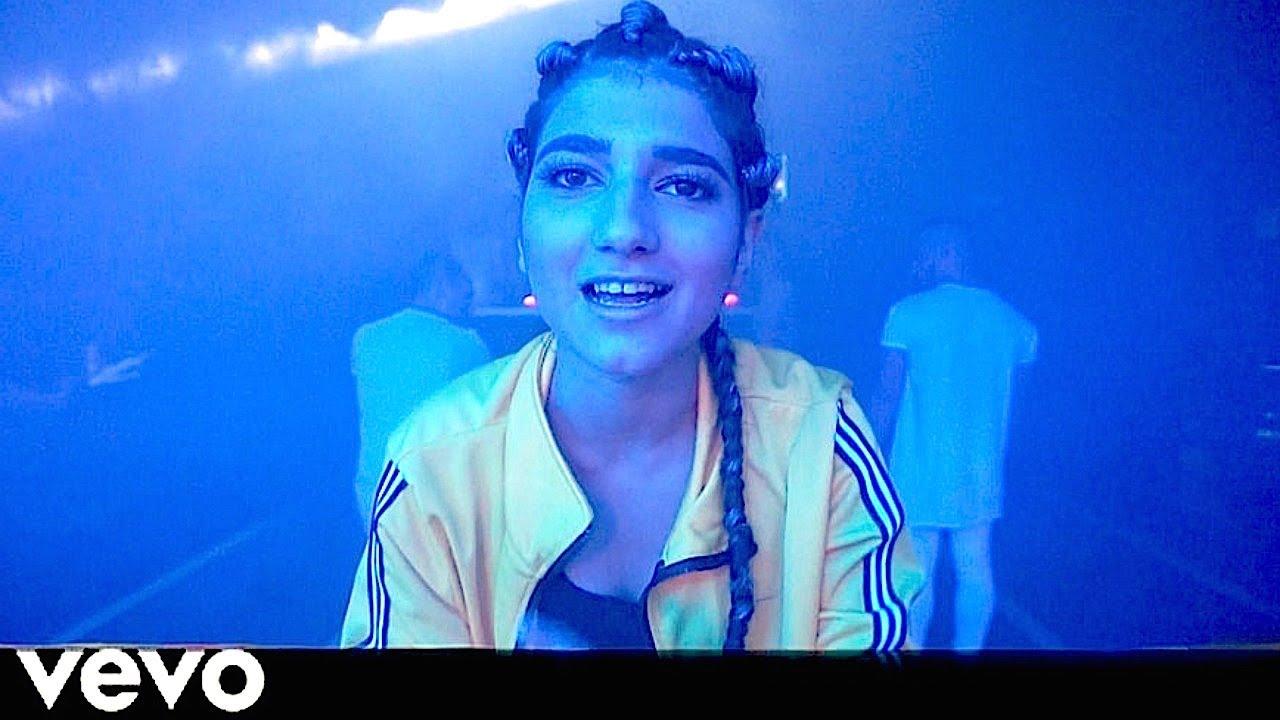 Hala Ya Sidi Song- Behind Scenes-Narins Beauty - Stunmore
