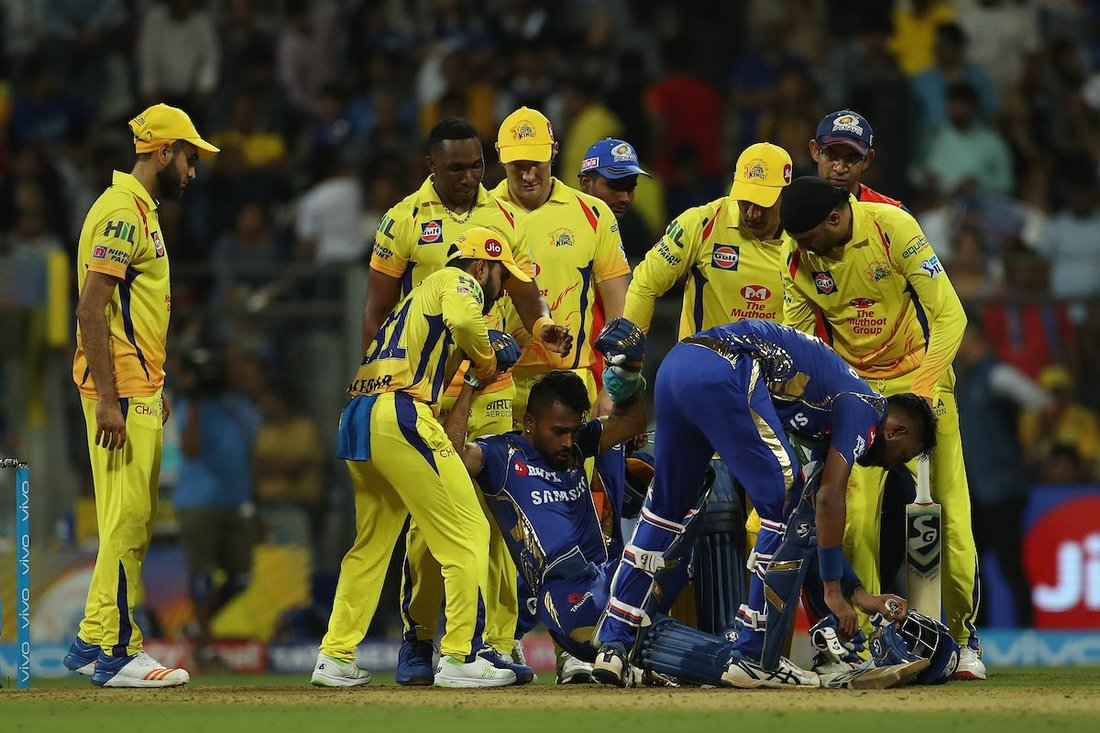 Hardik Pandya First the OUCH, then the SLIP in DJ Bravo bowling -MI vs CSK-match 1