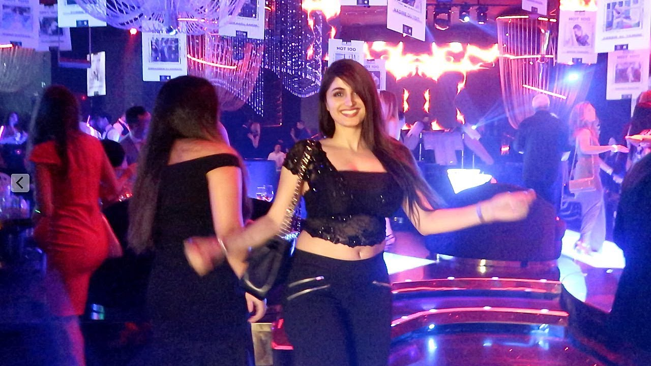 Lana rose belly dance in Dubai Club. - Stunmore