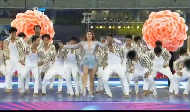 Jacqueline Fernandez's sets the stage on fire-IPL 2018 opening Ceremony.